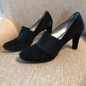 Anne Klein iFlex Black Suede Heels